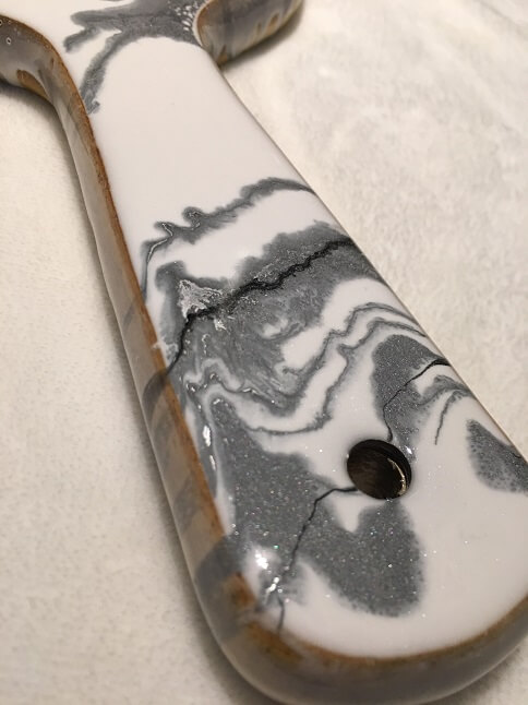 Resin-Cutting-Board-Handle-Linda